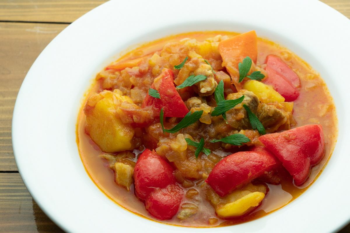 グラーシュ風煮込みスープ